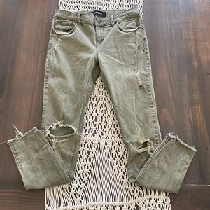 Express olive green distressed knee ankle jeggings
